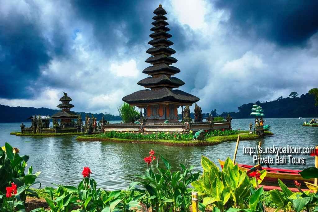 Ulun-Danu-Temple-Sunsky-Bali-Tour