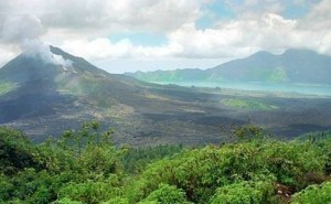 Kintamani-batur-volcano-bali-tours-driver
