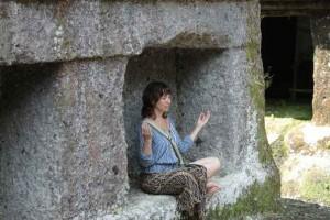 nataly-doing-meditation-at-gunung-kawi-tampak-siring-ubud-nusa-dua-sun-sky-bali-tours-driver-tour