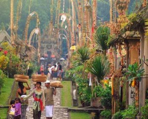 penglipuran-village-kerta-gosa-kehen-temple-tour