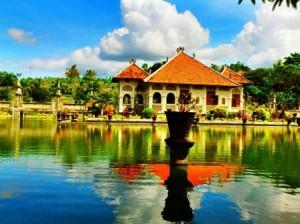 taman-ujung-at-eastern-bali-tours