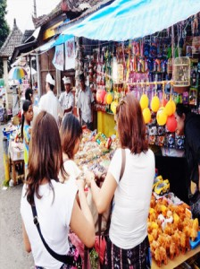 tanah-lot-market-sunskybalitour